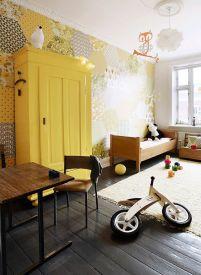Żółty w pokoju dziecka to słońce nawet w pochmurny dzień.