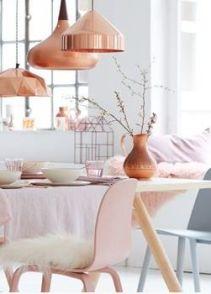 lampy miedziane z pudrowym różem i bielą