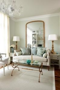 Jeśli chcesz użyć 1 lustra w klasycznej symetrycznej kompozycji to zawsze wielkie lustro, częściowo schowane za sofą