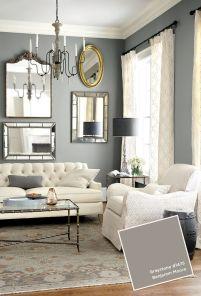 Na ścianie za sofą nigdy nie wieszaj 1 lustra, zawsze buduj jakieś kompozycje